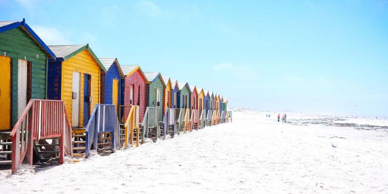 Beach Reads to Kick Off Summer Roundup